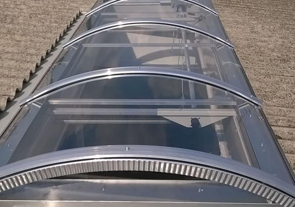 Lucernari su misura simed lucernari sandrigo vi for Lucernari fissi per tetti prezzi